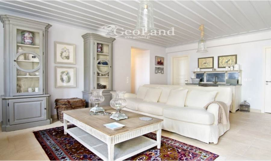 (For Rent) Residential Villa || Piraias/Spetses - 250 Sq.m, 5 Bedrooms, 23.400€